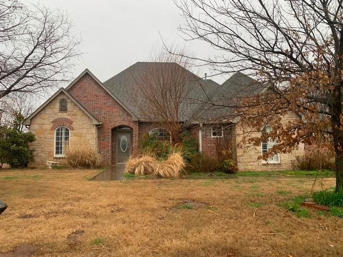 113 Riverview Drive, Clinton, Oklahoma