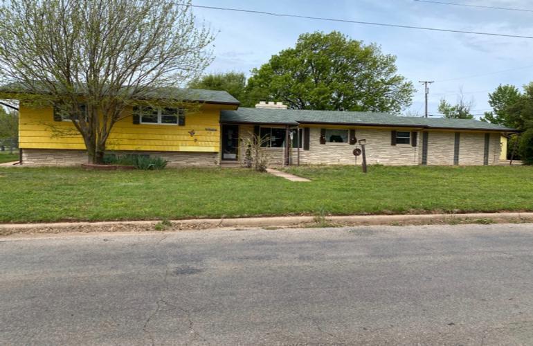 829 Skyline Dr, Alva, Oklahoma