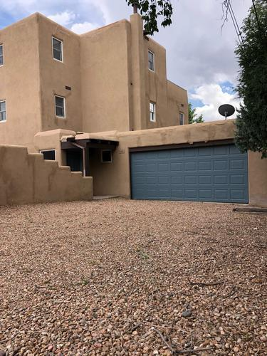 422 Mission Rd, Santa Fe, New Mexico