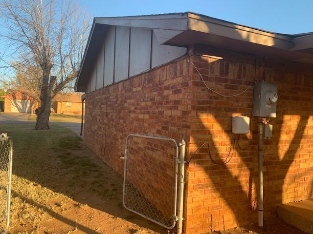 504 N 18th St, Clinton, Oklahoma