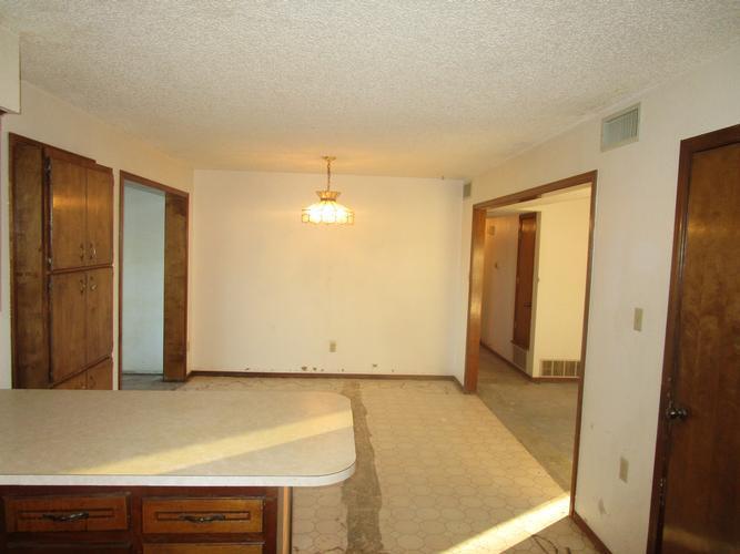 615 Morse Street, Stinnett, Texas