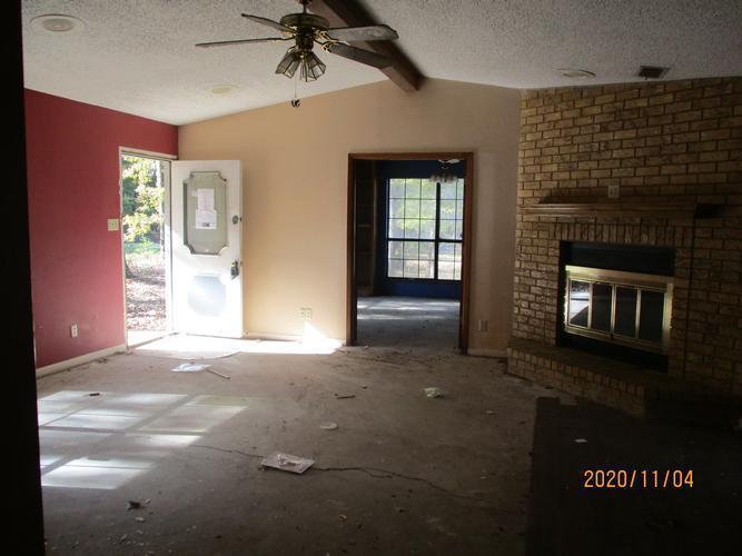 2079 Meadow Ln, Longview, Texas