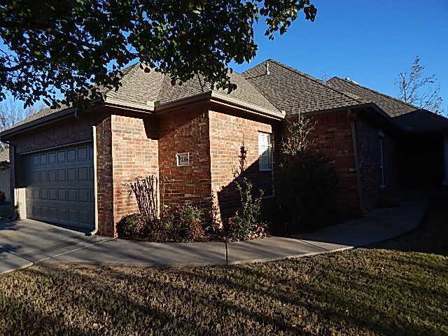 12304 Greenlea Chase East, Oklahoma City, Oklahoma