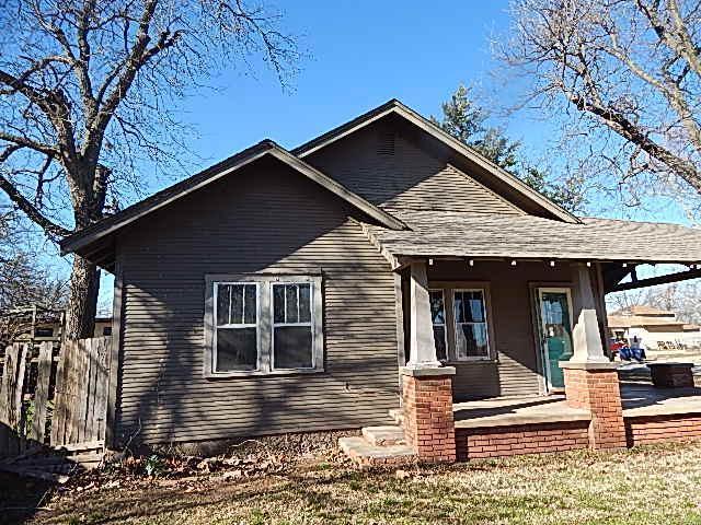 401 W Choctaw Street, Lindsay, Oklahoma