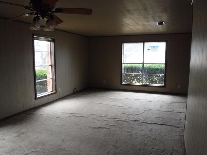 309 W Trinity Ave, Wortham, Texas