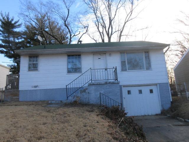 10160 Cloverdale Drive, Saint Louis, Missouri