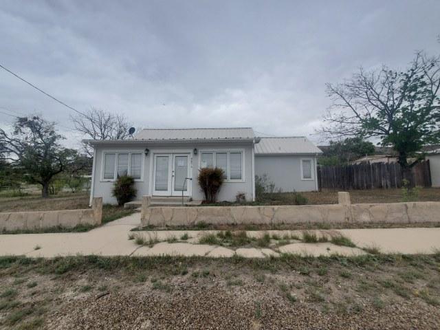 405 School St, Sanderson, Texas