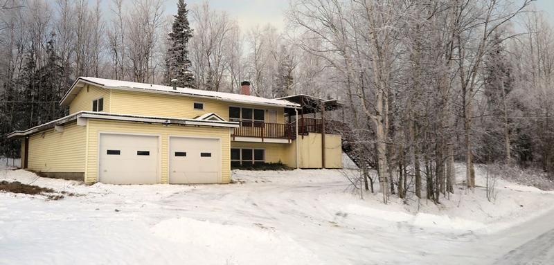 14716 W Lake Ridge Dr, Eagle River, Alaska