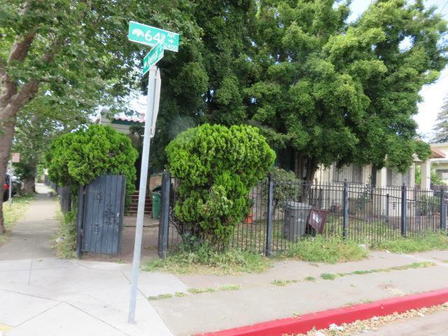 2401 64th Ave, Oakland, California