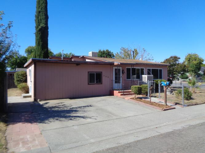 902 Prune St, Corning, California