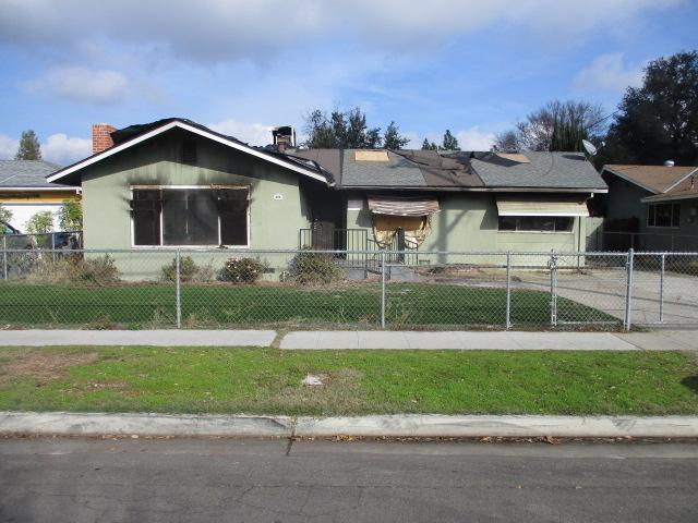 3243 E Simpson Avenue, Fresno, California