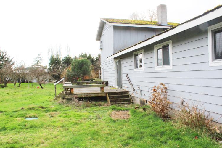 980 Carl Ave, Oak Harbor, Washington