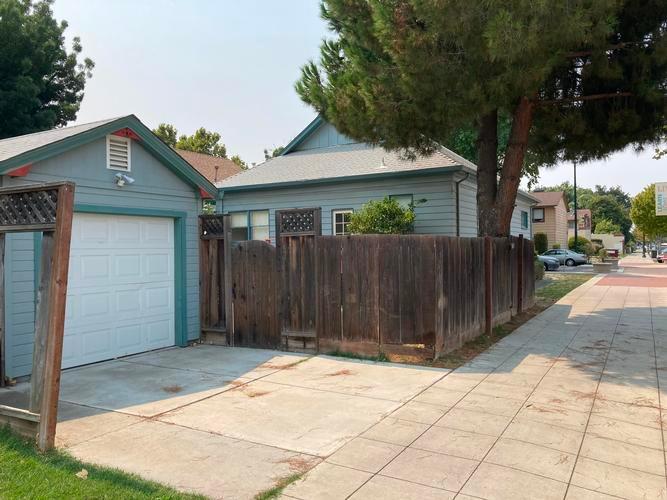 950 F Street, Tracy, California