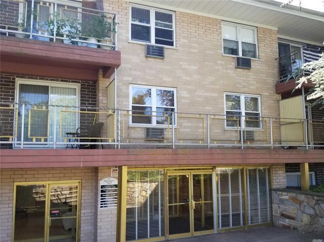 157 Hempstead Ave Apt C11, Lynbrook, New York