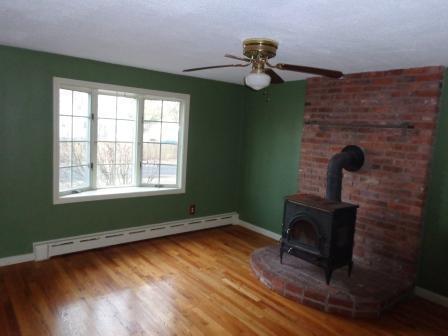 119 White Oak Rd, Springfield, Massachusetts