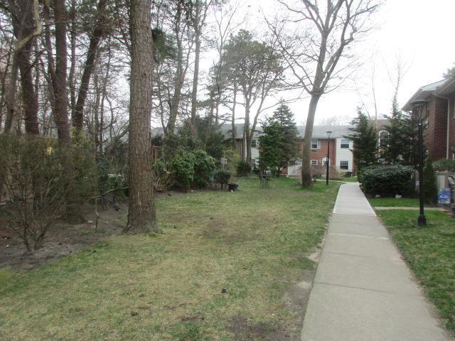 14 Glen Hollow Dr E36, Holtsville, New York