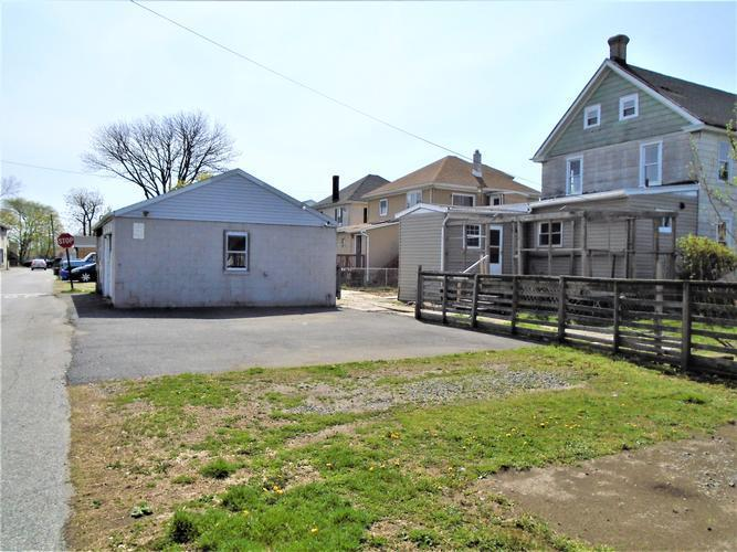 1557 Chichester Ave, Marcus Hook, Pennsylvania