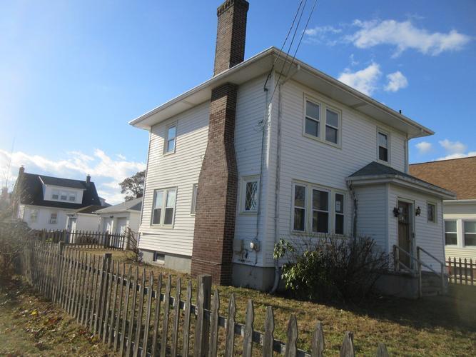 36 Stevens Rd, Cranston, Rhode Island