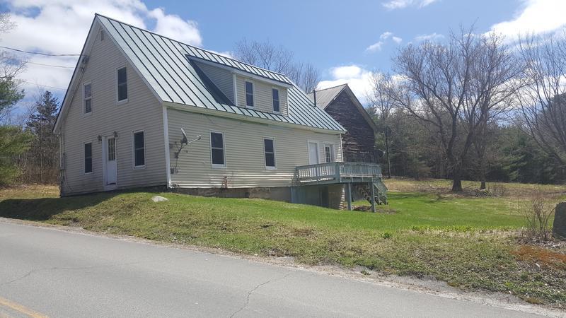 237 Maple St, Newport, New Hampshire