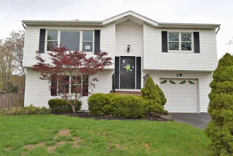 19 Concord Dr, Hazlet, New Jersey
