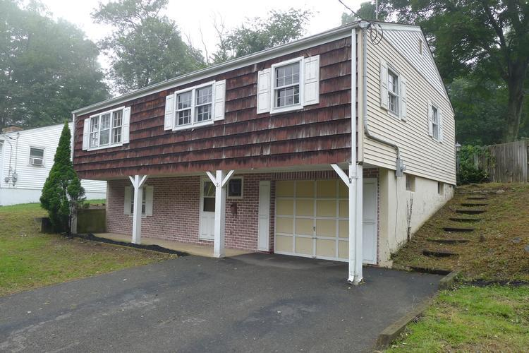 29 Pine Cone Ln, Sparta, New Jersey