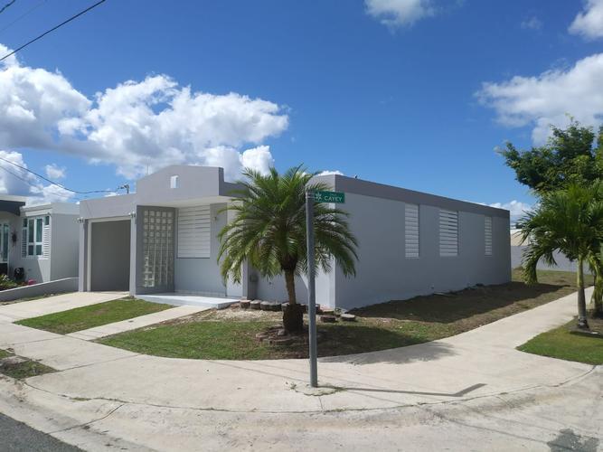 1f Calle Arteaga Urb Hacienda De Tena, Juncos, Puerto Rico