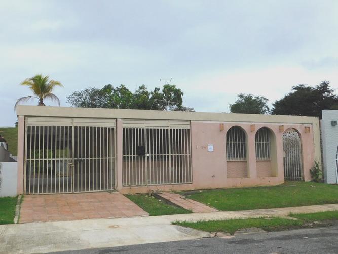 F4 10 Street San Souci Dev, Bayamon, Puerto Rico