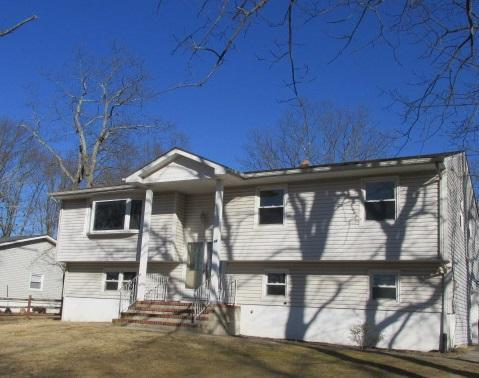 24 Pine Rd, Howell, New Jersey