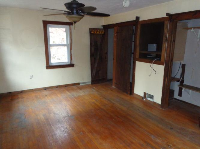 187 Brimfield Rd, Holland, Massachusetts
