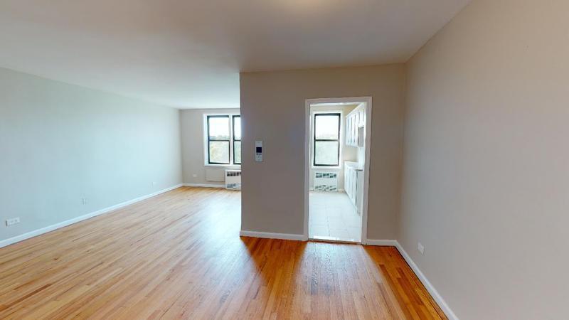 14105 Pershing Crescent 502, Briarwood, New York