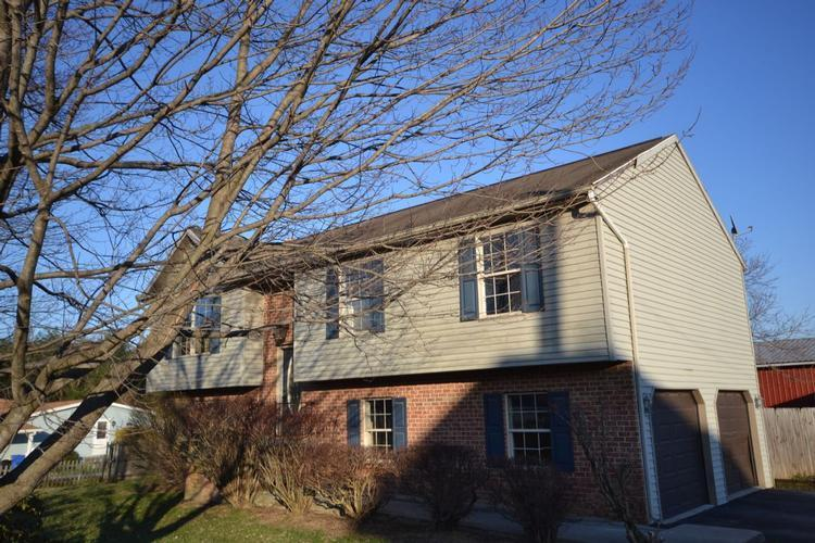 6084 Thoman Dr, Spring Grove, Pennsylvania