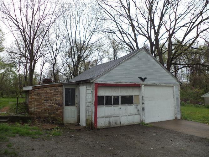 8026 Gladstone Dr, Wendel, Pennsylvania