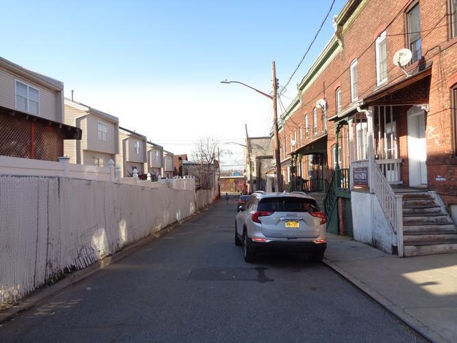 17 Sylvan Pl, Staten Island, New York