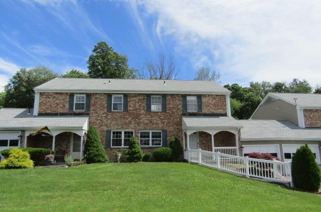 8 Whisconier Village, Brookfield, Connecticut