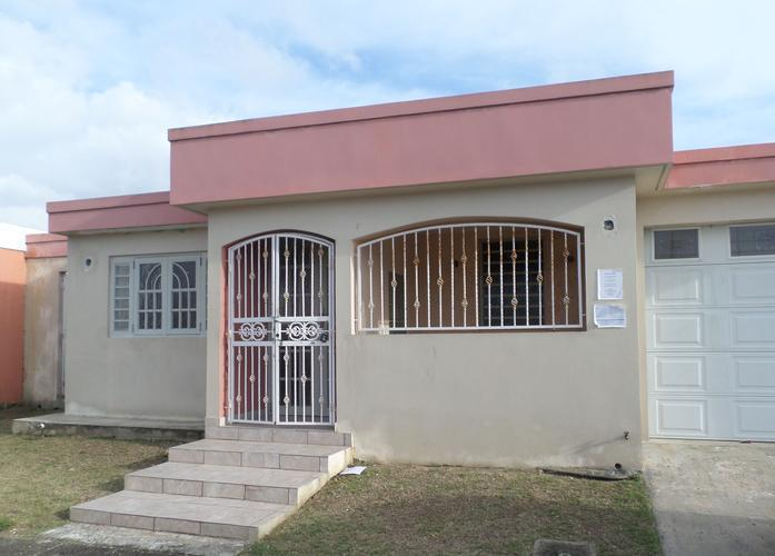 49 He Domingo De Andino St Levittown Dev 49, Toa Baja, Puerto Rico