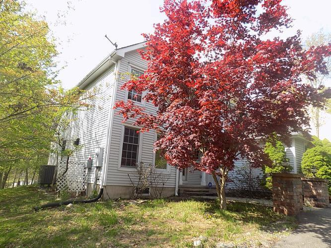 572 Blue Mountain Lake, East Stroudsburg, Pennsylvania