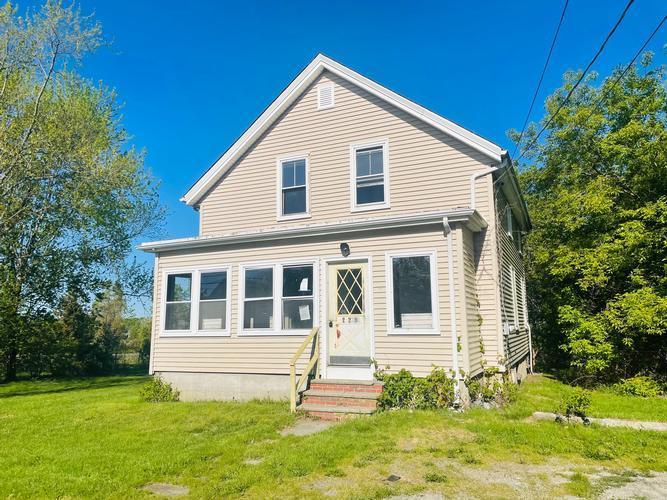 229 Lees River Avenue, Somerset, Massachusetts
