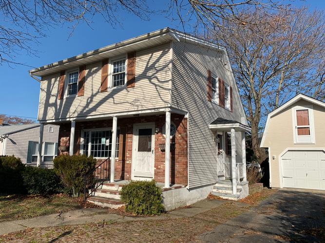 12 Cypress Avenue, Tiverton, Rhode Island