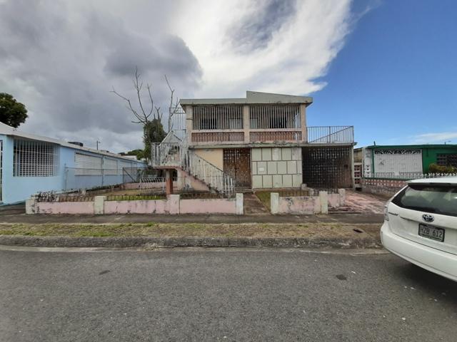 5j8 Boliviano St Villa Fontana, Carolina, Puerto Rico