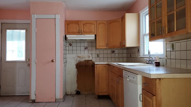 72 E Neptune Ave, Lindenhurst, New York