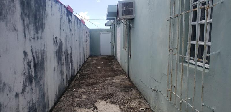 30 Cw Jrdns De Countr, Carolina, Puerto Rico