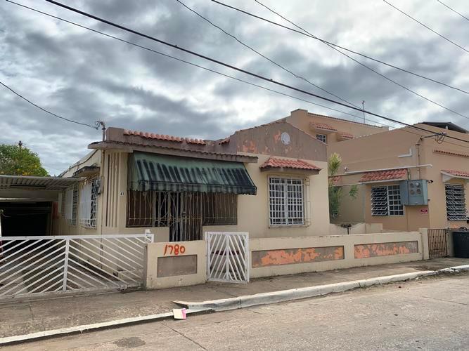 41 J Colon Padilla St, Arecibo, Puerto Rico