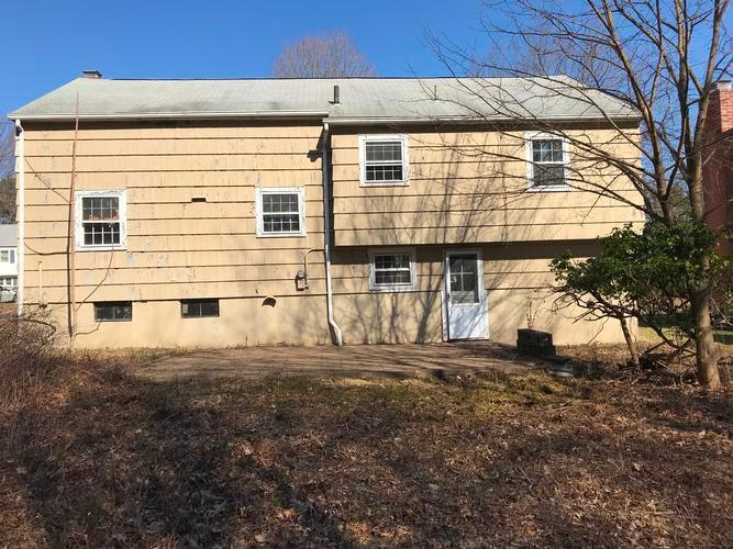 102 Corbin Rd, Hamden, Connecticut