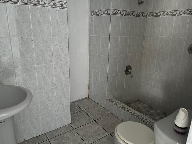6 Al Calle 11 Reparto Valencia, Bayamon, Puerto Rico