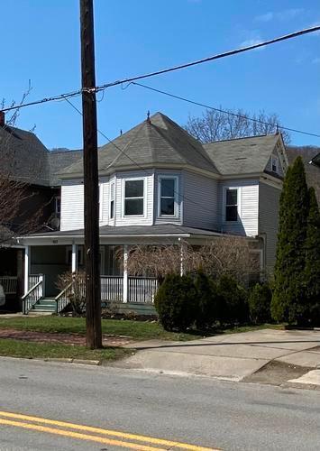 922 W 1st St, Oil City, Pennsylvania