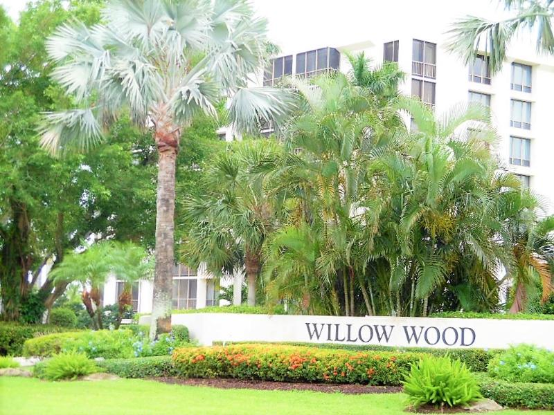 6895 Willow Wood Dr Apt 1014, Boca Raton, Florida