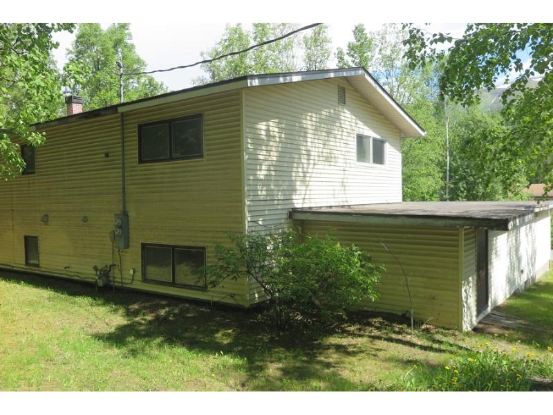 14716 W Lake Ridge Dr, Eagle River, Alaska