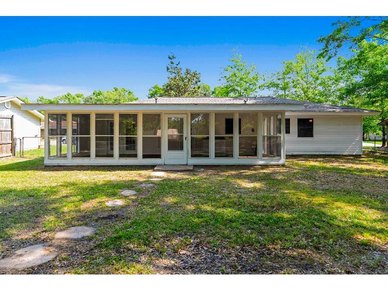 138 Hickory Dr, Ocean Springs, Mississippi