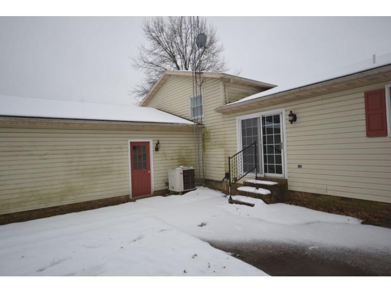 6340 Straw Acres Rd, Spring Grove, Pennsylvania