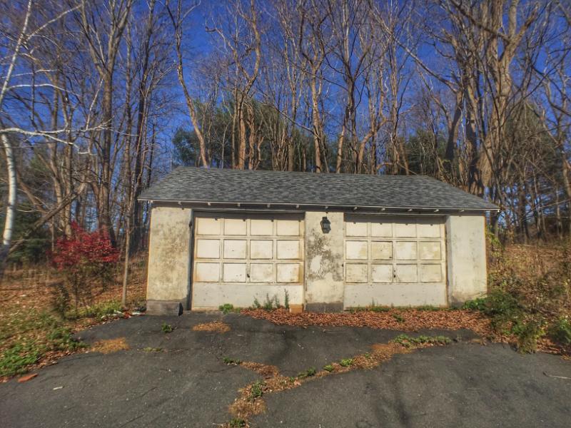 102 Stafford Rd, Burlington, Connecticut
